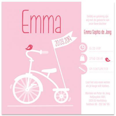 Vierkant geboortekaartje meisje met driewielertje en naam in foliedruk, wit karton met persing