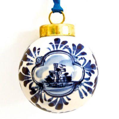 Kerstbal delfstblauw keramiek molen