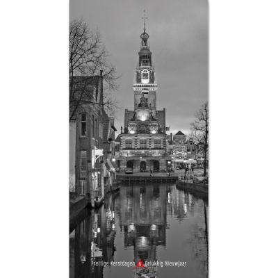 Staande kerstkaart van Alkmaar met foto in zwart/wit.