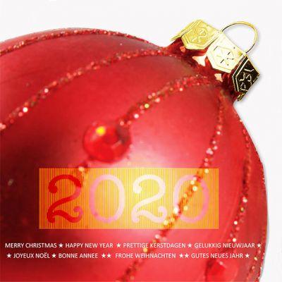 Grote kerstbal met gouden jaartal