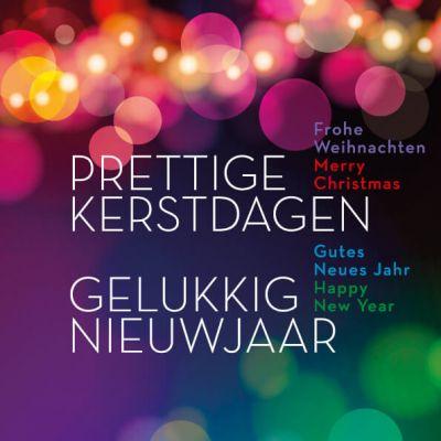 kerstkaart met kleurrijke lichtjes en wensen in meerdere talen