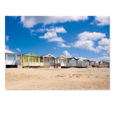 Toeristische ansichtkaart strandhuisjes aan Noordzee